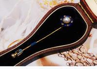 ブルーエナメルが美しいパールのピンブローチ - AntiqueJewellery GoodWill