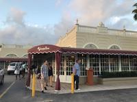 マイアミ:cuban料理②・Versailles Restaurant - 転々娘の「世界中を旅するぞ~!」