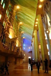 サグラダ・ファミリアでは、ガウディの設計に溜息&深呼吸(スペイン、バルセロナ) - 旅プラスの日記