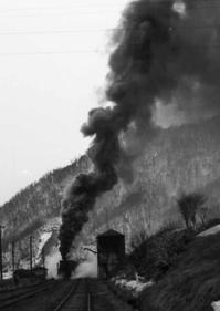 紅葉山駅を出発する石炭列車 - 萩原義弘のすかぶら写真日記