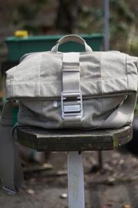 旅行用鞄 NATIONAL GEOGRAPHIC (ナショナルジオグラフィック) プライベートコレクション NG P 2120 小型メッセンジャー - Mineral's&Cameraの日記