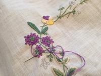 2枚目のお花の刺しゅう - y-hygge