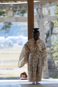 石桉神社 王の舞 - ゲ ジ デ ジ 通 信