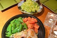 マリネ鶏とたっぷり野菜の土鍋焼き/空豆のポタージュ/キャベツのサラダ - まほろば日記