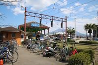 藤田八束の南国の春@鹿児島は一足先に春が来ていました・・・・桜島と路面電車 - 藤田八束の日記
