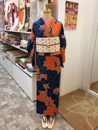 ドーンとインパクトな小紋です。 - Tokyo135° sannomiya
