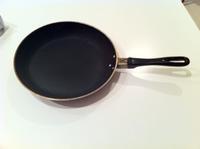 フッ素加工の鍋とフライパンも再生。(ただし今回は外注) - Oyadica Days                  http://oyadica.jp