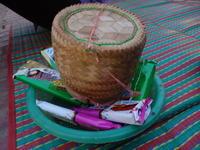 ルアンパバーンで托鉢を見る。そのあとラオスの朝ごはん! - Da bin ich! -わたしはここにいます-