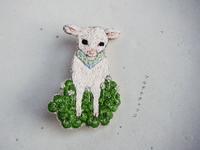 刺繍ブローチ*子ヤギとクローバー - マルチナチャッコ
