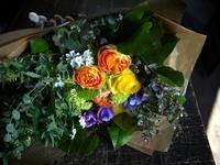 退職される女性へ。「オレンジ~黄色系。可愛らしく」。北海道大学にお届け。2017/03/31。 - 札幌 花屋 meLL flowers