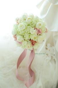 ラウンドブーケ ホテルニューオータニ様へ  素敵な一日 - 一会 ウエディングの花