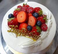 お祝いケーキ - HappyBerryの日々のお知らせ