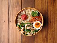 4/10(月)鶏とピーマンの塩炒め弁当 - おひとりさまの食卓plus