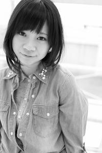 中村芽留萌ちゃん44 - モノクロポートレート写真館