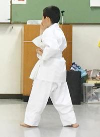 叱られながら、空手がんばってます(^^) - 東洋医学総合はりきゅう治療院 一鍼 ~健やかに晴れやかに~