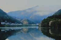 朝の湖面に - ゆる鉄旅情
