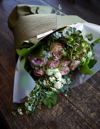 ギフト用の花束。北22条にお届け。2017/04/10。 - 札幌 花屋 meLL flowers