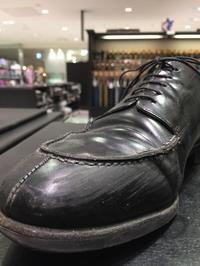 ガラスレザーの傷にレザーコンシーラーがおススメです。 - ルクアイーレ イセタンメンズスタイル シューケア&リペア工房<紳士靴・婦人靴のケア&修理>