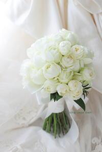 クラッチブーケ 帝国ホテル様へ 希望と、奇跡と、明日と、今日と言う一日 - 一会 ウエディングの花