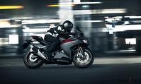 CBR250RRというバイク - マーチとバイク