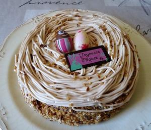 復活祭(Paques)のケーキ - 南仏プロヴァンスの大自然の魅力