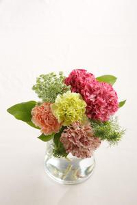 母の日のブーケのご紹介 - ~ Flower Shop D.STYLE ~ (新所沢パルコ・Let's館1F)