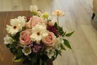 奥様のお誕生日に - 北赤羽花屋ソレイユの日々の花
