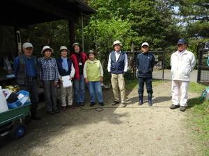 急斜面の笹刈り・・・うみべの森 - 活き生き in 岬町
