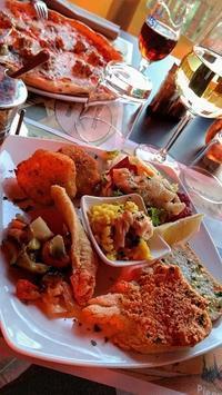 湖の夕景愛でつつ夕食を、ウンブリア - ペルージャ イタリア語・日本語教師 なおこのブログ - Fotoblog da Perugia