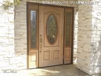 塗り直したファイバーグラス製輸入玄関ドア - 只今建築中