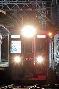 (( へ(へ゜ω゜)へ < 阪急7000系7025F能勢電へ - 鉄道ばっかのブログ