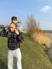 『パリ:シャンゼリゼ銃撃テロ 容疑者の写真が公開』/ はてなの画像 - 「つかさ組!」