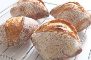 """自慢のリュスティックが出来上がりました♪ - パンとフレブル。"""" ~ 大阪 堺市 堺東 パン教室『大人の女性のためのワンランク上の本格パン作り - Le temps pur - 』の日々のブログ ~"""