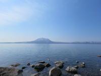 春めく支笏湖 小魚の戯れ - 気ままにアウトドアー日和