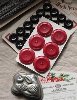 大きな大きな赤いボタン - sucreの店