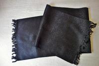 黒厚手シルクマフラー  Hold(Asahin4.23) - スペイン・バルセロナ・アンティーク gyu's shop