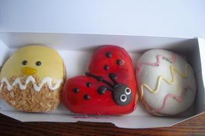 Krispy Kreme Doughnuts(クリスピー・クリーム・ドーナツ) 『キャラメルクリスピーイースター etc.』 - My favorite things