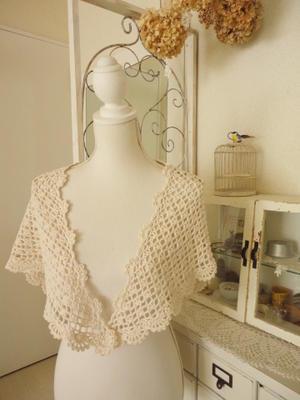 久しぶりの刺繍と三角ショール* - Natural style*