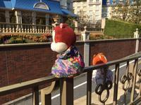 春瞑眩☆ディズニーランドホテルを眺めるチップとデール - SUPICA'S  BLOG