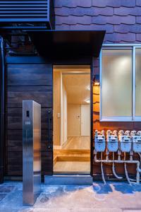 帰りたくなる、ほっとする玄関照明 - 生きるを良くする、暮らしのデザイン