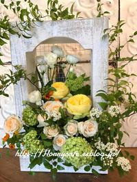 Decorettaさんのフラワーアレンジメントレッスン 〜春のボックスアレンジ - 趣味とお出かけの日記