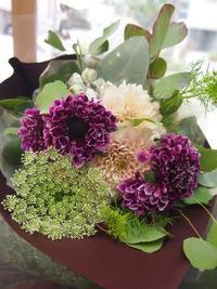 ブーケもさまざまなスタイルでパリっぽく♪ - ルーシュの花仕事