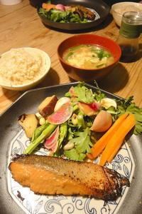 鮭の味噌漬け焼き - 週末は晴れても、雨でも