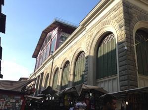 中央市場1階のオープン時間変更とカクテルイベント - フィレンツェのガイドなぎさの便り