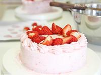 イチゴクリームケーキ - 美味しい贈り物