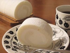 真っ白ふんわりミルキーロールケーキと野菜たっぷりちゃんぽん♪ - la la la kitchen 2 ♪