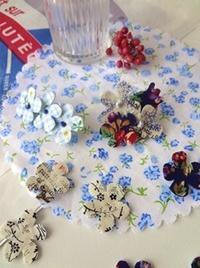 布とフエルトで簡単コサージュ - handmade flower maya