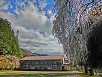 花の中仙道 妻籠の旧‣小学校校舎 - 多分駄文のオジサン旅日記