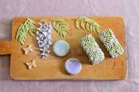 コラボ展の和菓子近影  Homemade Wagashi for Exhibition - お茶の時間にしましょうか-キャロ&ローラのちいさなまいにち- Caroline & Laura's tea break