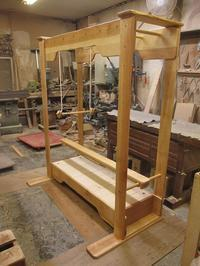 うんていAタイプW1550×H1800×D870 ブランコ式ぶら下がり練習棒20mm 新平均台 - MAGINU STYLE by Art Furniture Gallery